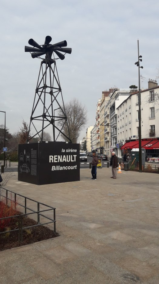 Sirène des usines Renault. 2020.