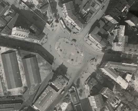 1925 Zoom sur la place Jules Guesde