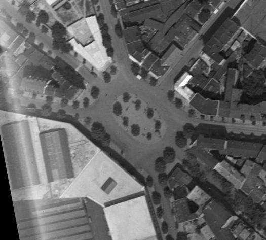 1934 Zoom sur la place Jules Guesde