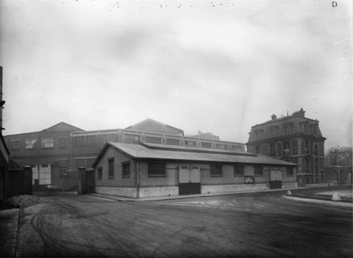 Usine Renault vue sur la maison Bican vers 1923