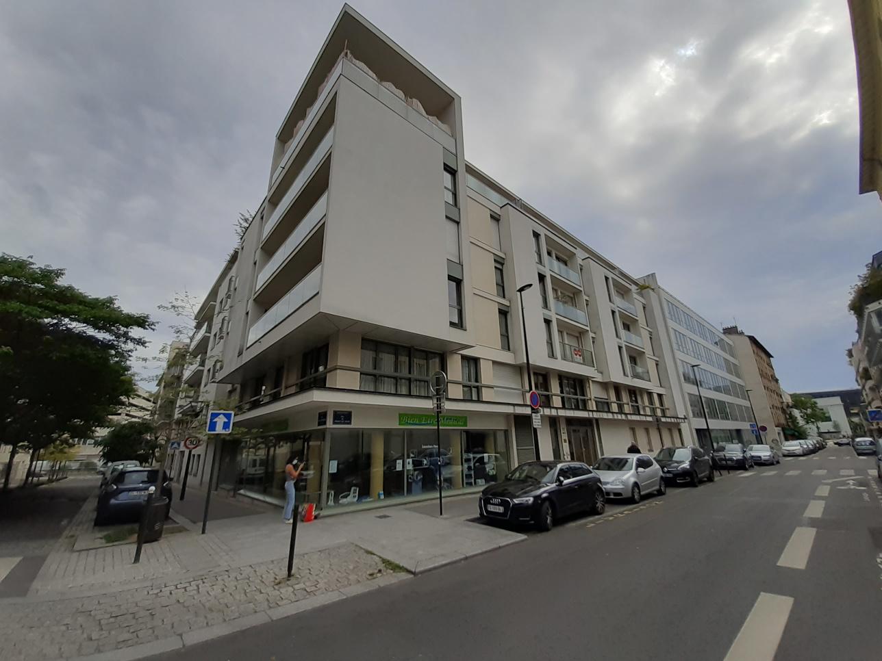 117quater et 119 rue du Point-du-Jour & Berberova