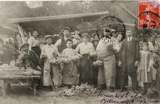 Photo 20bis - vue du marché à l'ail