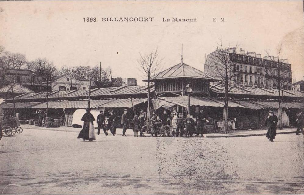 Le marché vu de la rue du Vieux-pont-de-Sèvres