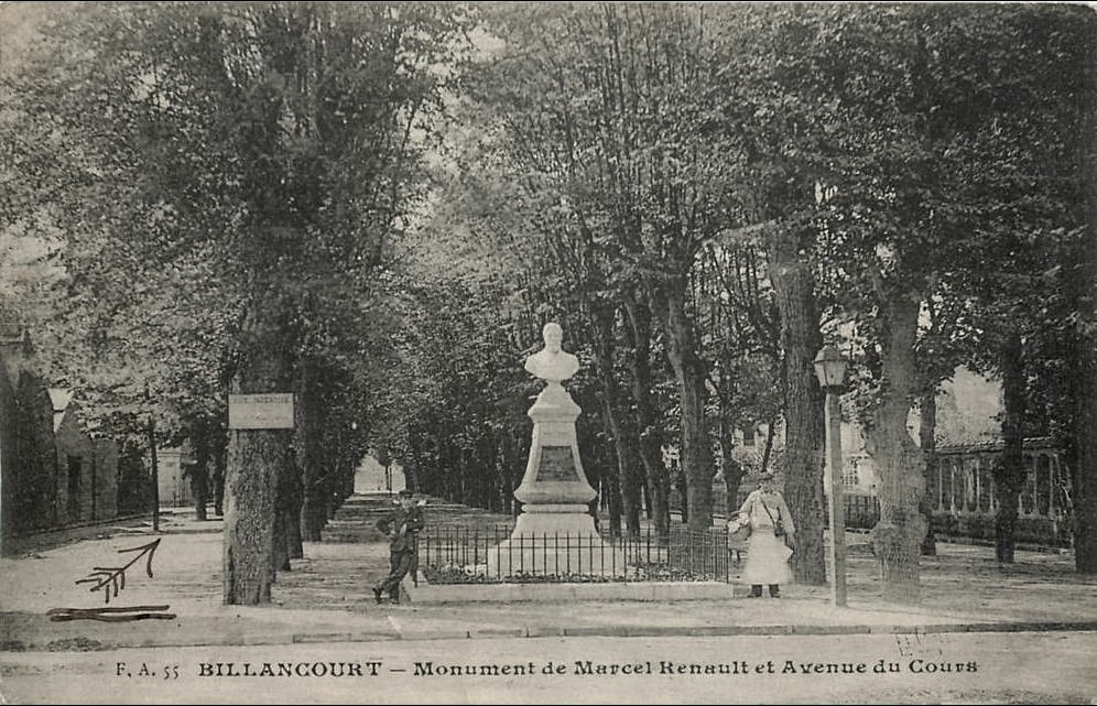 Avenue du Cours Buste Marcel Renault