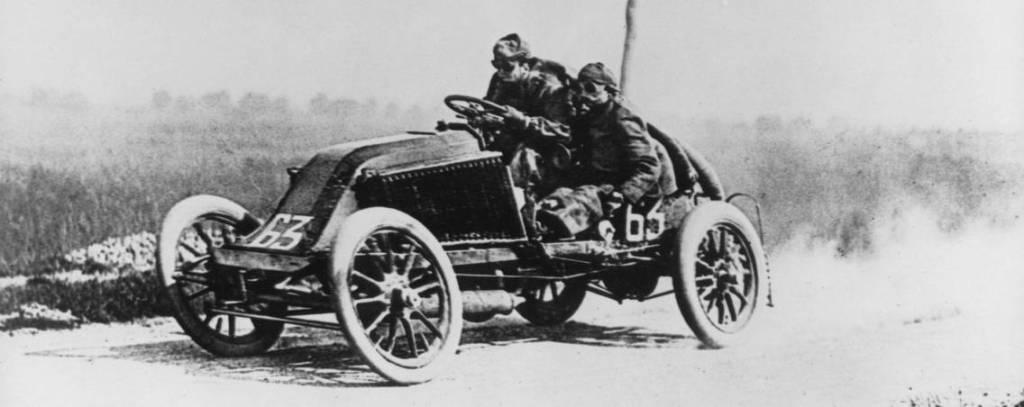 Marcel Renault dans Paris Madrid 1903