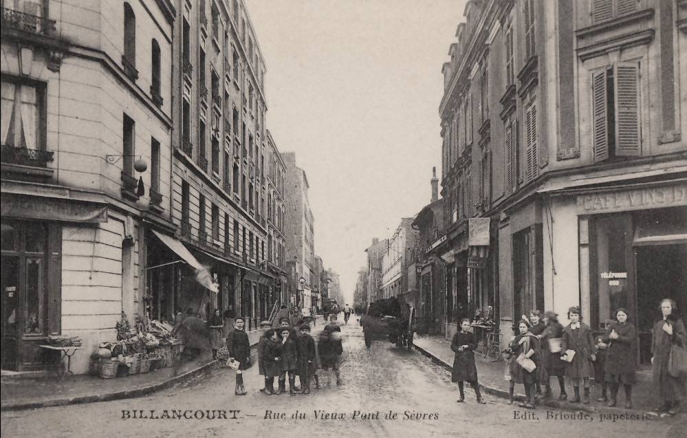 Rue du vieux pont de Sèvres, vue de la rue Thiers