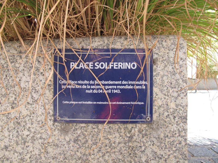 Plaque commémorative place Solférino