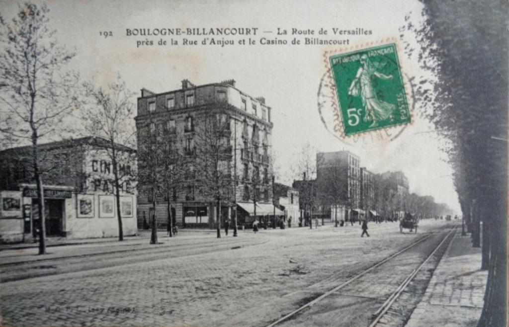Le Cinema Pathé, rue Danjou, à l'angle de l'avenue Edouard Vaillant.