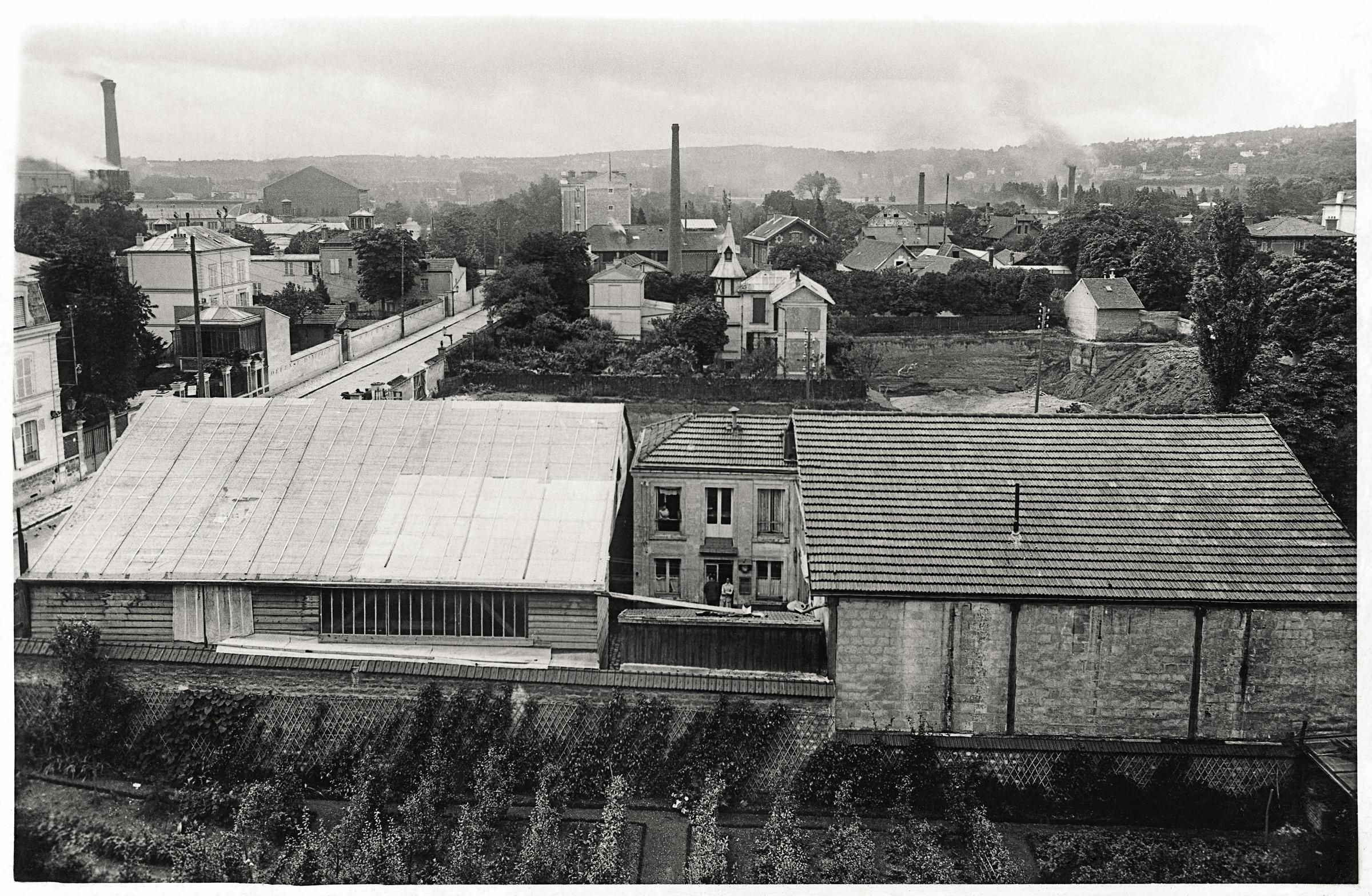 L'atelier du 4 rue de la ferme vu depuis un immeuble de l'actuelle av du Général Leclerc-1906-Archives municipales de Boulogne-Billancourt