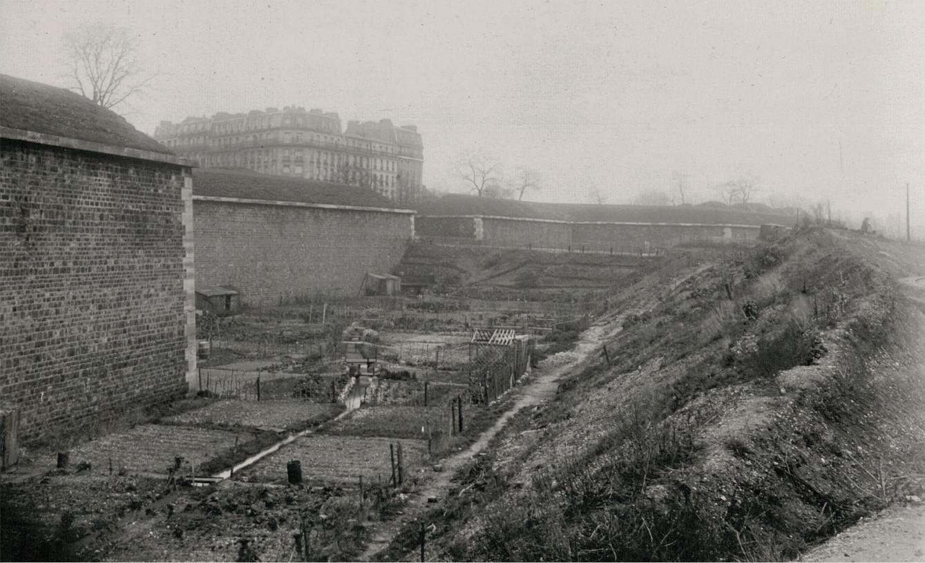 Porte du Point du Jour vue de Billancourt archives numérisées de Paris