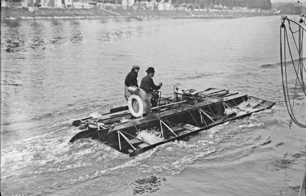 1905 Hydroplane_comte_de_Lambert Agence_Rol