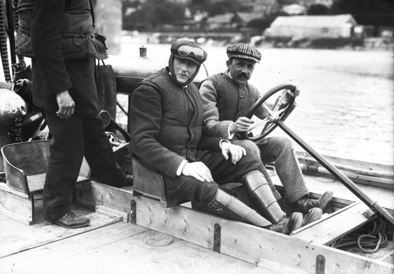 22-5-1913 canot à hélice Comte de Lambert et Tissandier Agence Rol