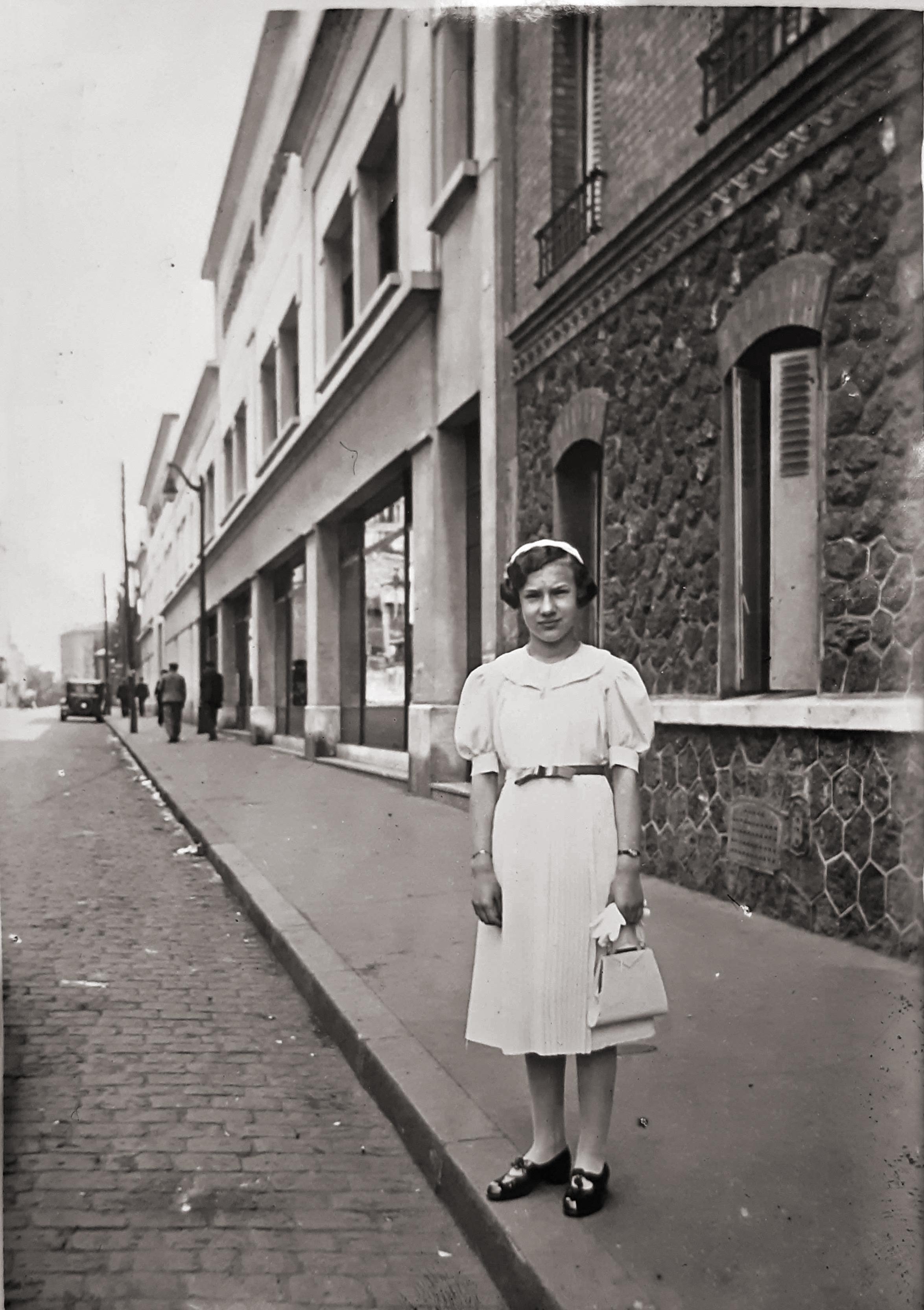 1937 Emilia Francois 123 rue du PdJ remise des prix 12 ans