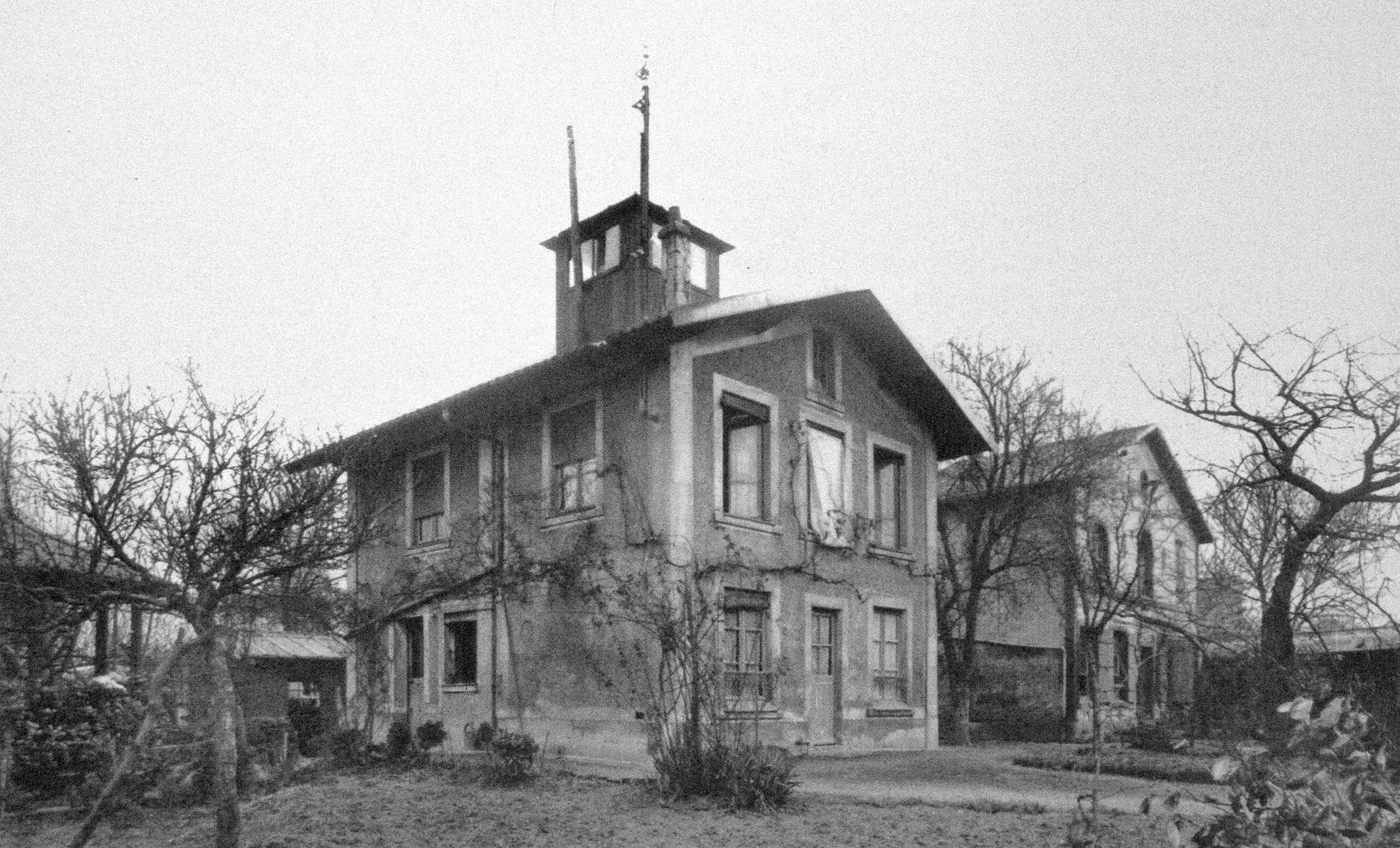 Ile Seguin Les 2 principaux bâtiments de la propriété Lambert -1923_Renault com